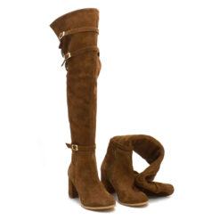 Cizme peste genunchi de culoare maro din piele naturală întoarsă și catarama la gleznă și la guler.